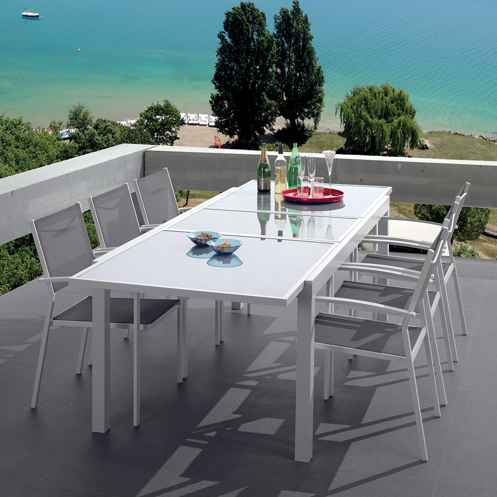 table de jardin tongai cocktail scandinave. Black Bedroom Furniture Sets. Home Design Ideas