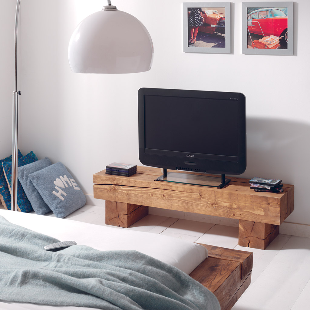 meuble tv poutre en pin massif aux lignes pur es. Black Bedroom Furniture Sets. Home Design Ideas
